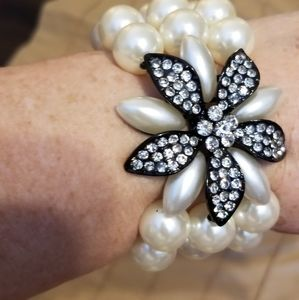 Simulated pearl bracelet